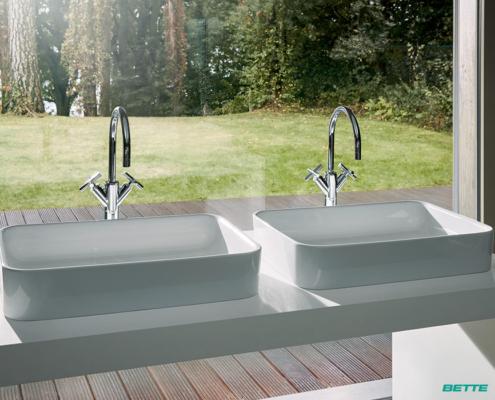 Sanitaer-Installationen und Bad-Einrichtungen